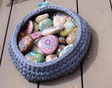סלסלת אבנים
